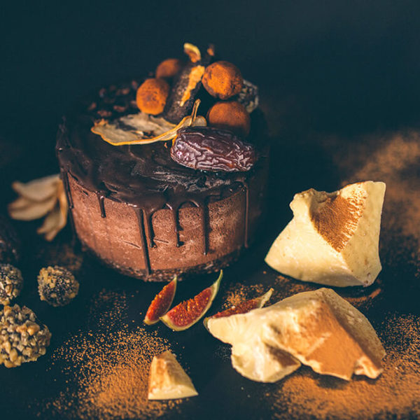 Tort ciocolata tonka si afine